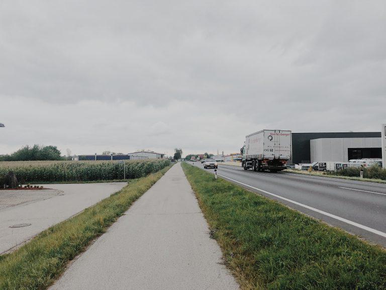 Etappe Bundesstraße Wanderei